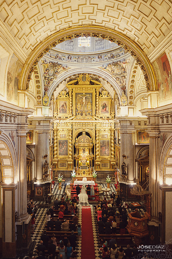 Interior Iglesia San Justo y Pastor, Granada, reportaje de boda Granada, fotógrafo Granada
