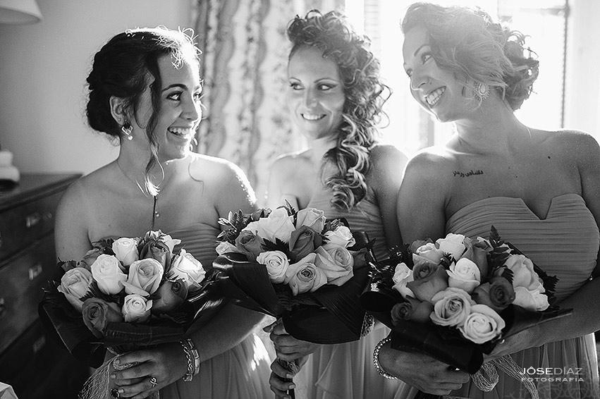 Preparativos novia, familia novia, damas de honor, Hotel Castillo Santa Catalina, fotógrafo boda, reportaje documental boda, fotografía de boda, fotógrafos