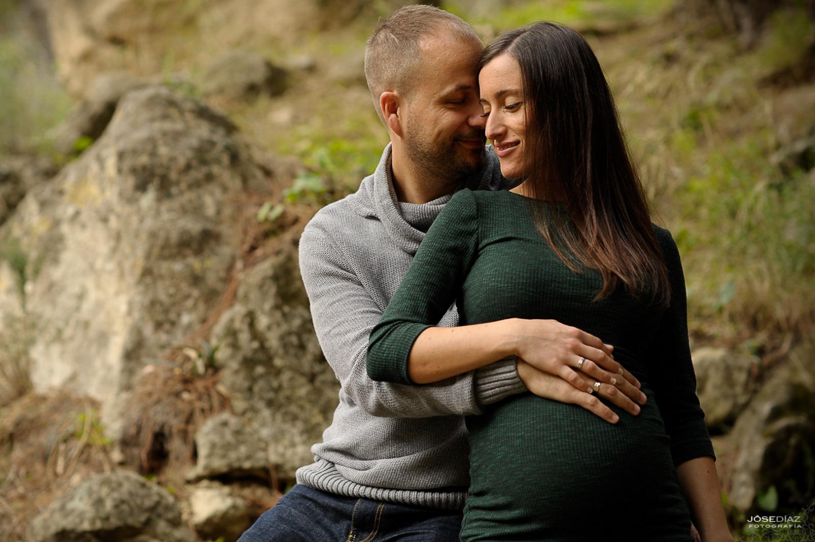 fotografías premamá, reportaje de embarazo, fotos en el campo, fotógrafos Málaga