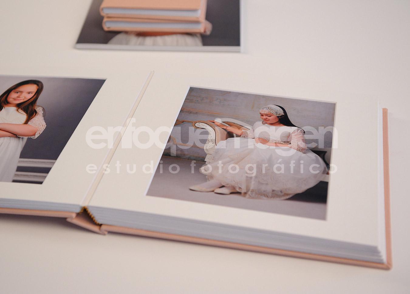 álbum exclusivo, álbum comunión, reportajes málaga, estudio fotográfico Málaga