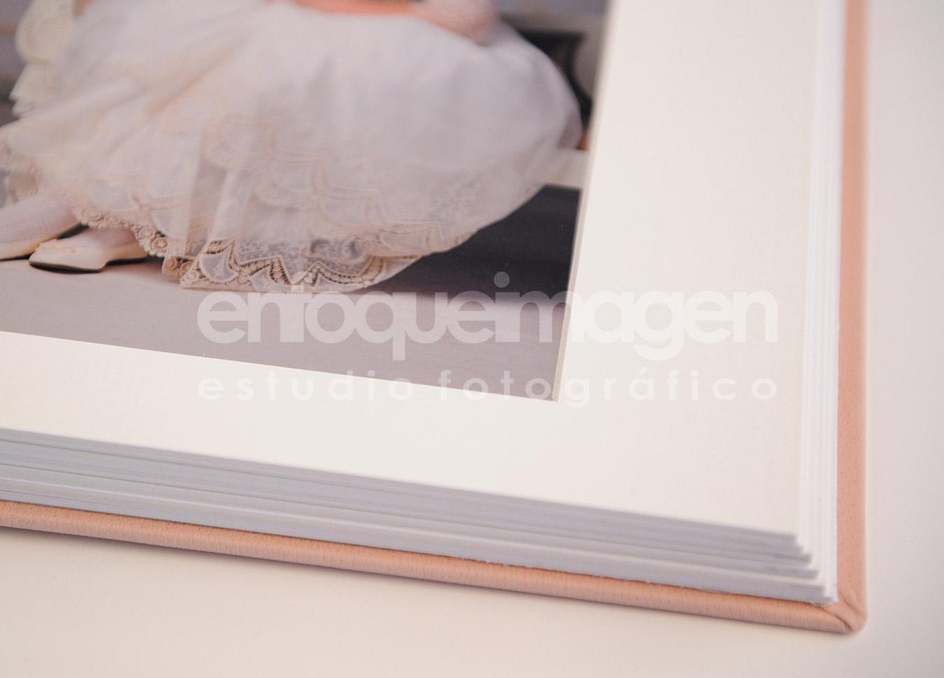 papel metálico, álbum exclusivo, álbum comunión, reportajes málaga, estudio fotográfico Málaga