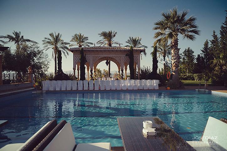 Hotel Mirador, ceremonia de boda al aire libre, detalles de boda, preparar un jardin para una boda, preparativos de boda, piscina