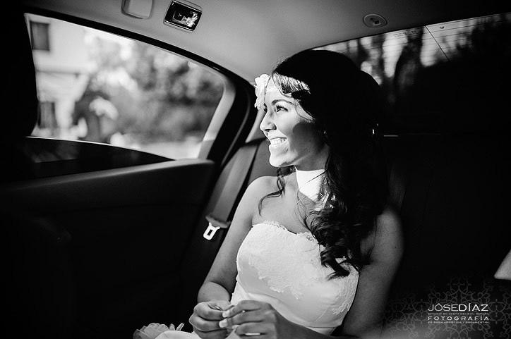 llegada de la novia, sonrisa, miradas en una boda, momentos de boda