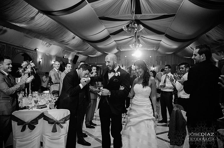 fotografía documental de bodas, entrada de los novios al salon, reportaje de boda artístico, Jose Díaz fotografía, fotógrafo profesional Málaga