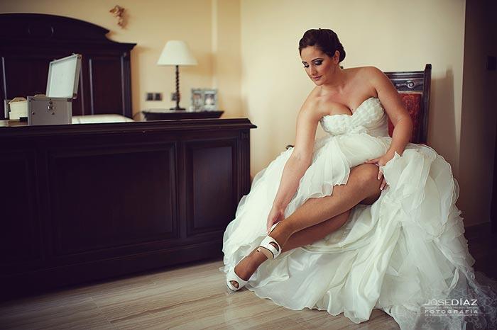 fotografías de Boda en Colmenar, Jose Díaz fotógrafo, preparativos de novia, vestido, wedding dress