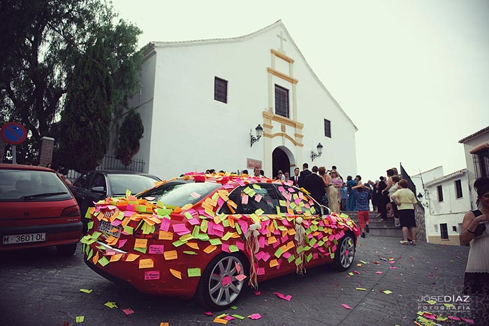 reportaje de boda en Colmenar, Iglesia de Colmenar, coche para bodas, fotografos Málaga