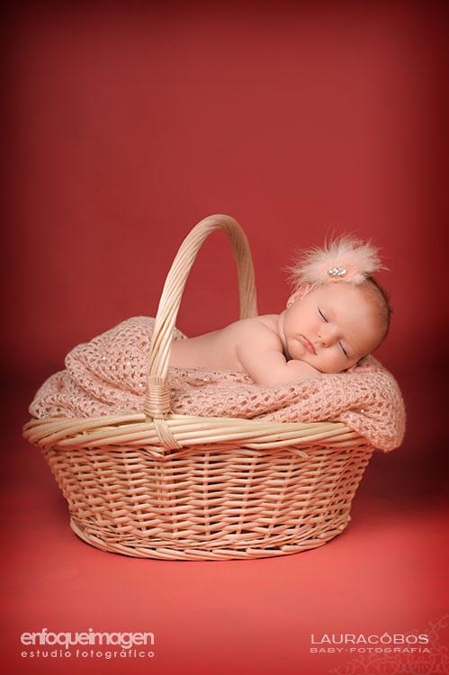fotografía de estudio para bebés, reportajes de bebé artísticos, fotógrafa en Málaga, fotógrafa de bebés, fotógrafa de recién nacidoss