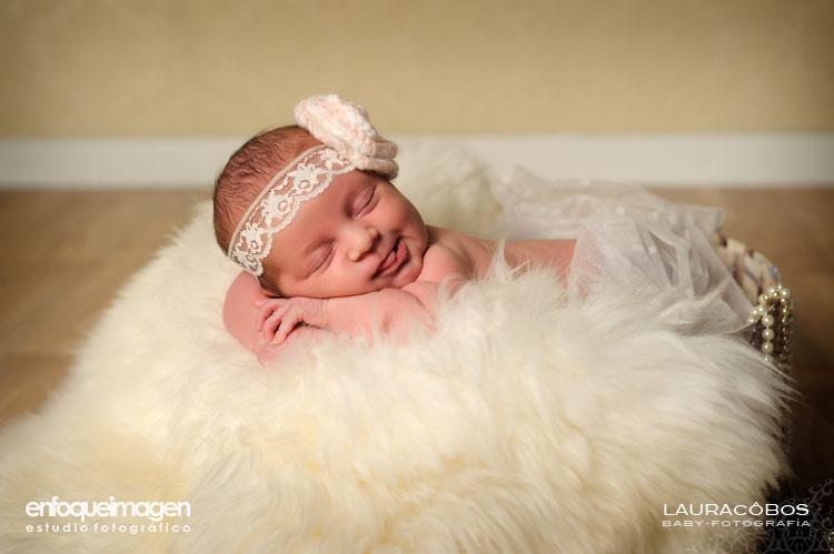 fotos de recién nacido, fotos infantiles, reportajes recien nacido, reportajes artísticos, fotos estudio, fotógrafos Málaga, fotógrafa Málaga