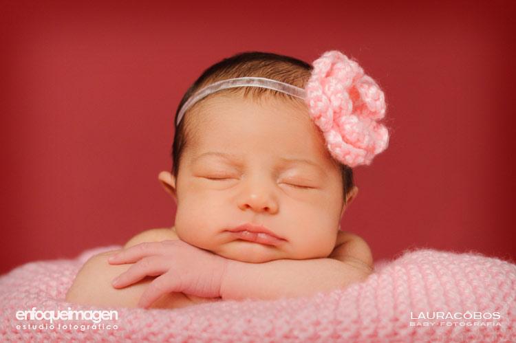 fotos de recién nacido, foto estudio bebés, fotografía recién nacido, reportajes arísticos bebés, álbum bebés, fotógrafas Málaga, Fotógrafa Laura Cobos, Laura Cobos fotografías