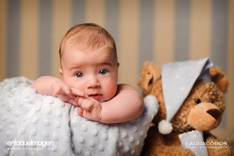 fotos de bebé preciosas, fotos originales de bebés, fotografía artística, estudio ftoográfico Teatinos, Málaga, reportajes en Málaga, fotógrafas Málaga