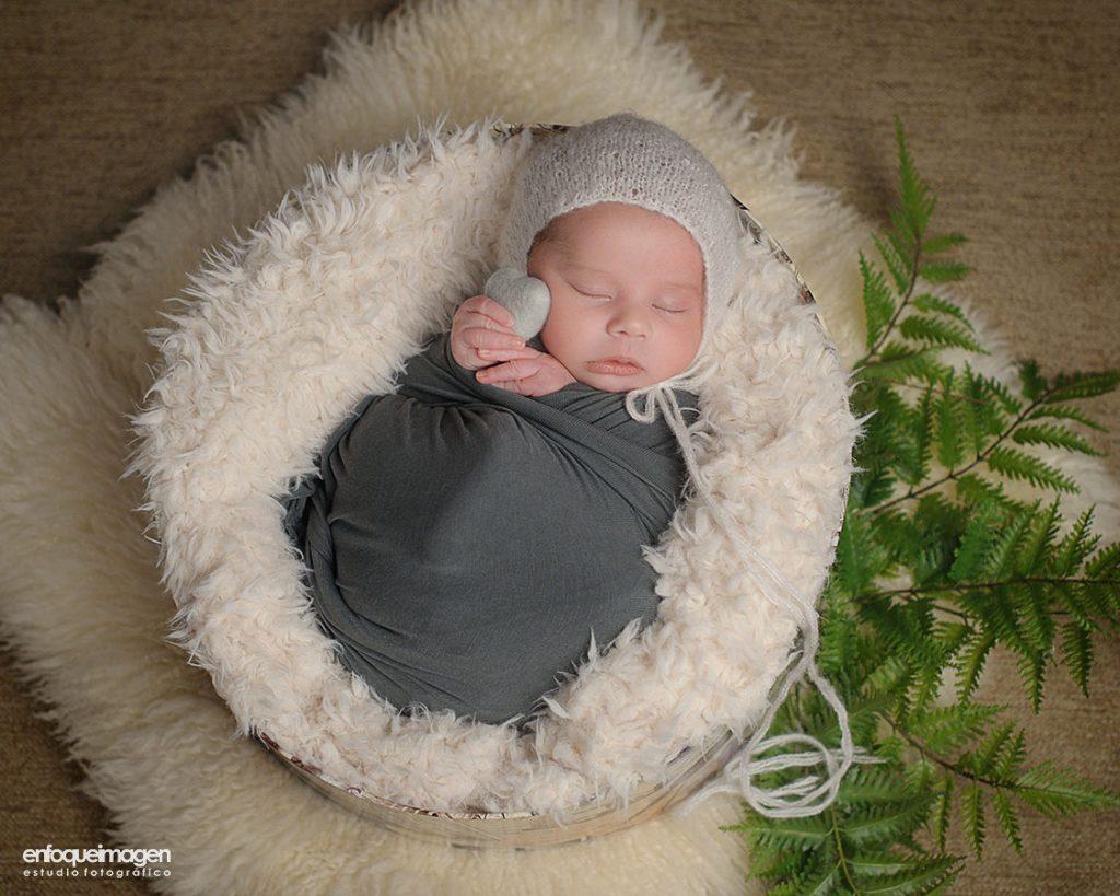 Sesión recién nacido, fotografía artística, Málaga