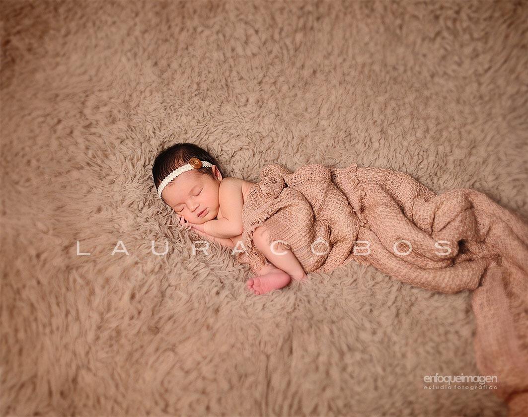 Newborn photography malaga, fotografia de recien nacido, laura cobos, fotógrafo málaga, reportajes de bebés