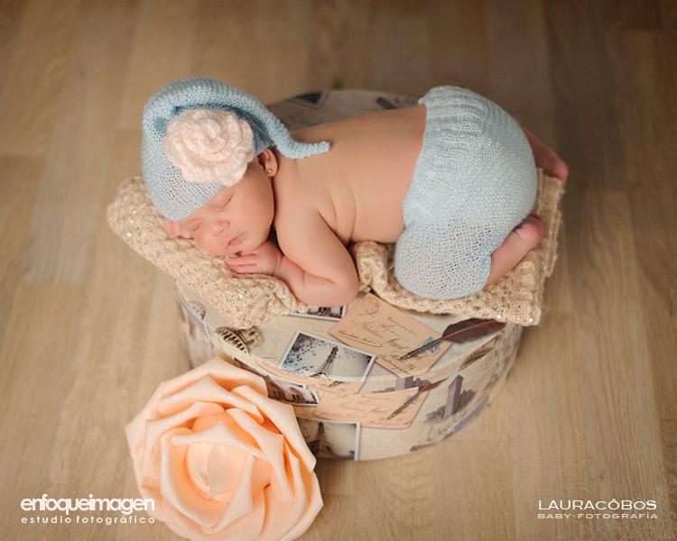 Reportaje de recién nacido, fotografía de niños en estudio, fotografía de bebé, fotógrafa infantil, fotografía artística, fotógrafos Málaga