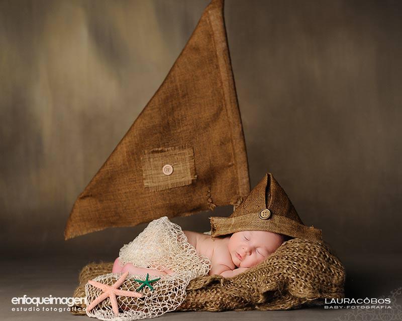 reportaje fotográfico de recién nacidoreportaje original, fotografía de estudio artística, reportajes de recién nacido, fotógrafos Málaga, recién nacidos, Laura Cobos, enfoqueimagen, Teatinos