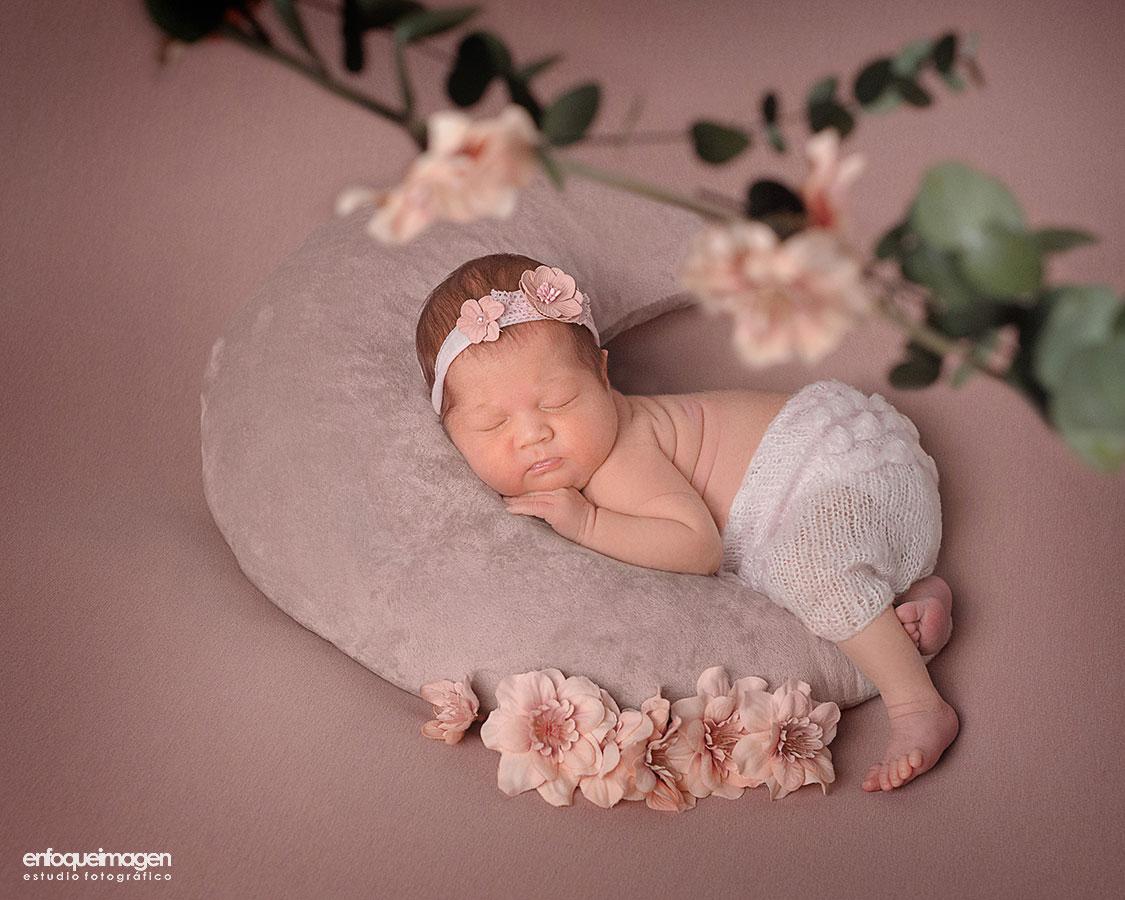Sesión recién nacido, estudio fotográfico en Málaga, fotografía artística, fotografía infantil