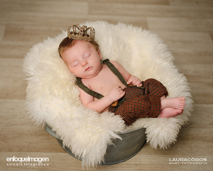 baby sleeping photography