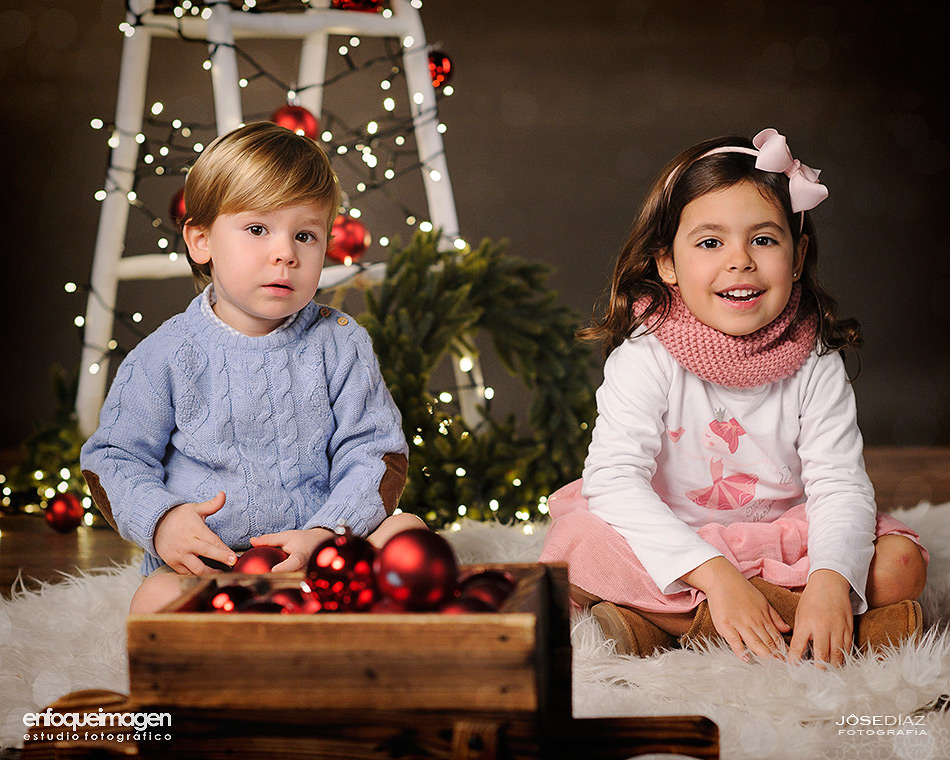 Christmas pics, photo shoot, children photos
