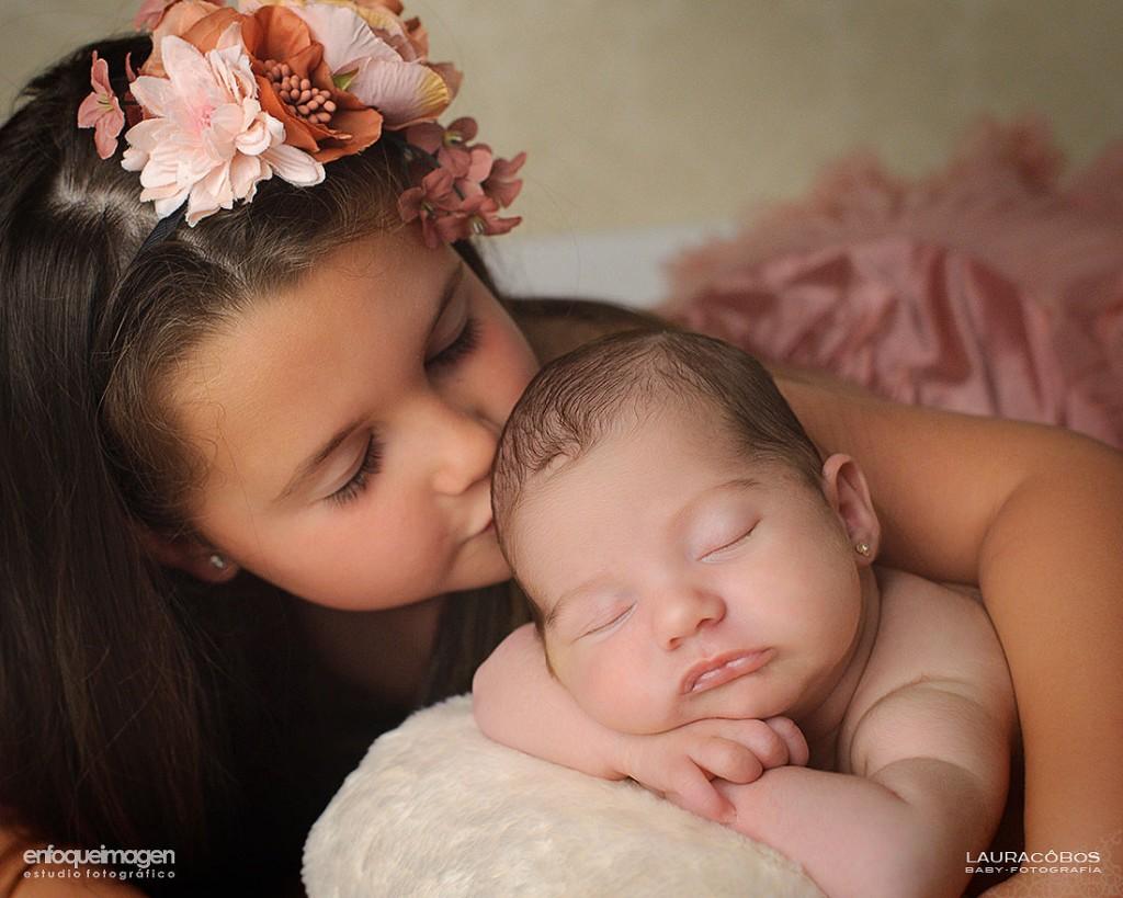fotos de familia, newborn, sesión fotográfica hermanas