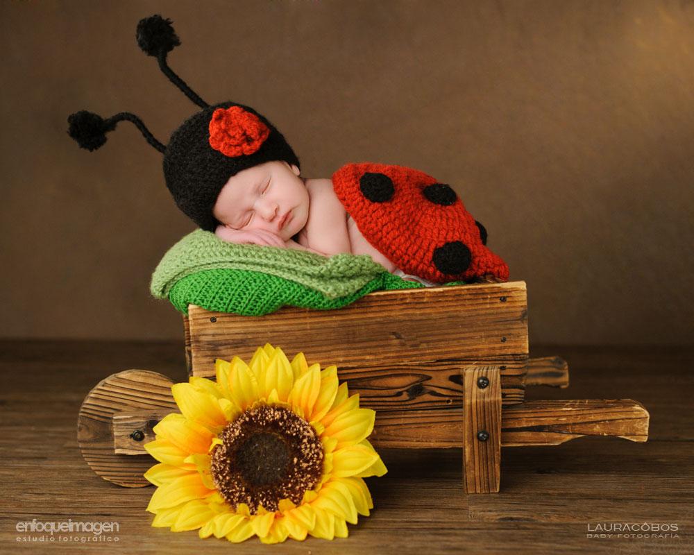 fotógrafo de recién nacido, sesión de estudio de recién nacido, fotógrafa infantil, fotografía de recién nacido, fotografía artística niños, fotos recién nacidos, sesión estudio, fotógrafos Málaga, fotografía de bebés