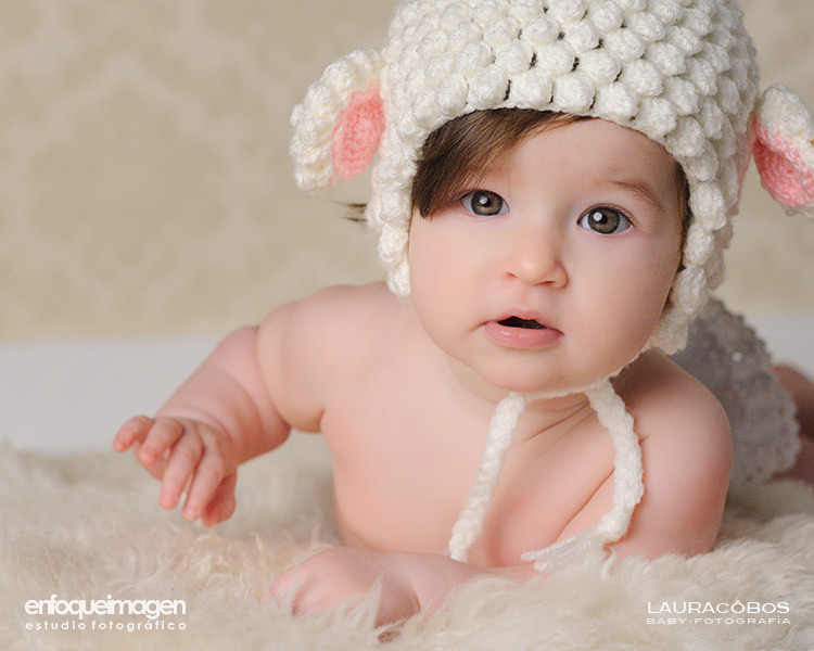 baby portrait, baby photography, photography studio, Laura Cobos, enfoqueimagen, baby session photography studio, professional baby photos, phtography specializing in babies