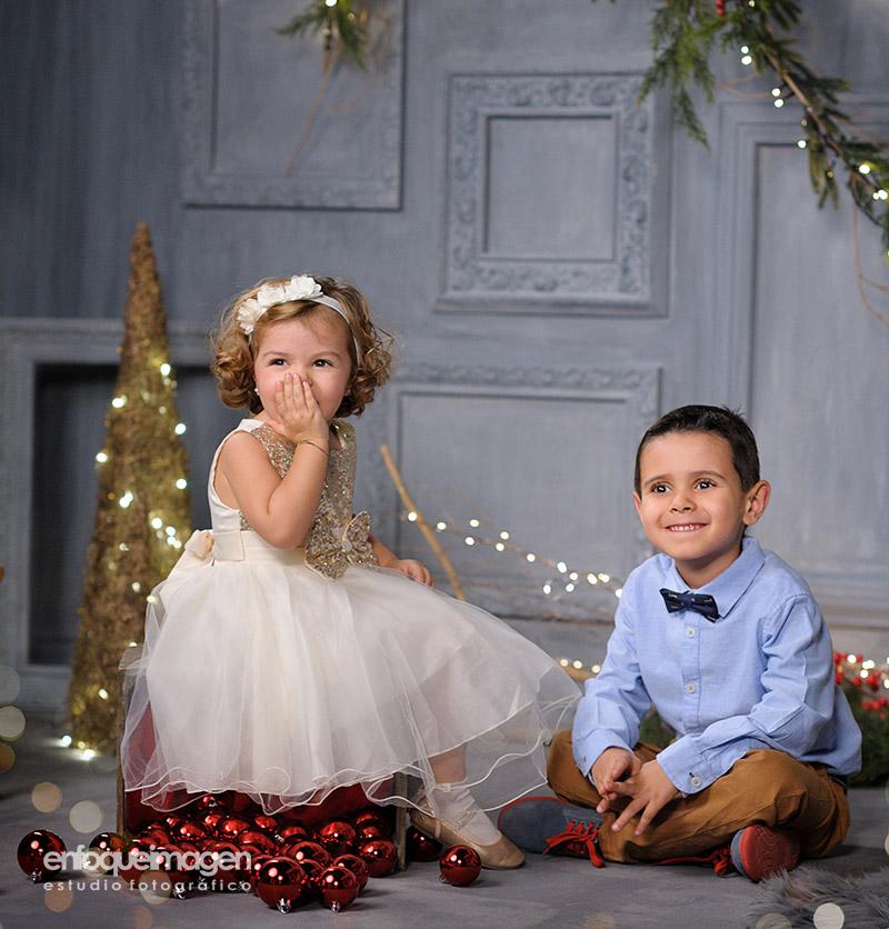 navidad, retrato navideño, fotografía infantil, fotografias originales, fotografías de niños en navidad, reportajes málaga, fotógrafos málaga
