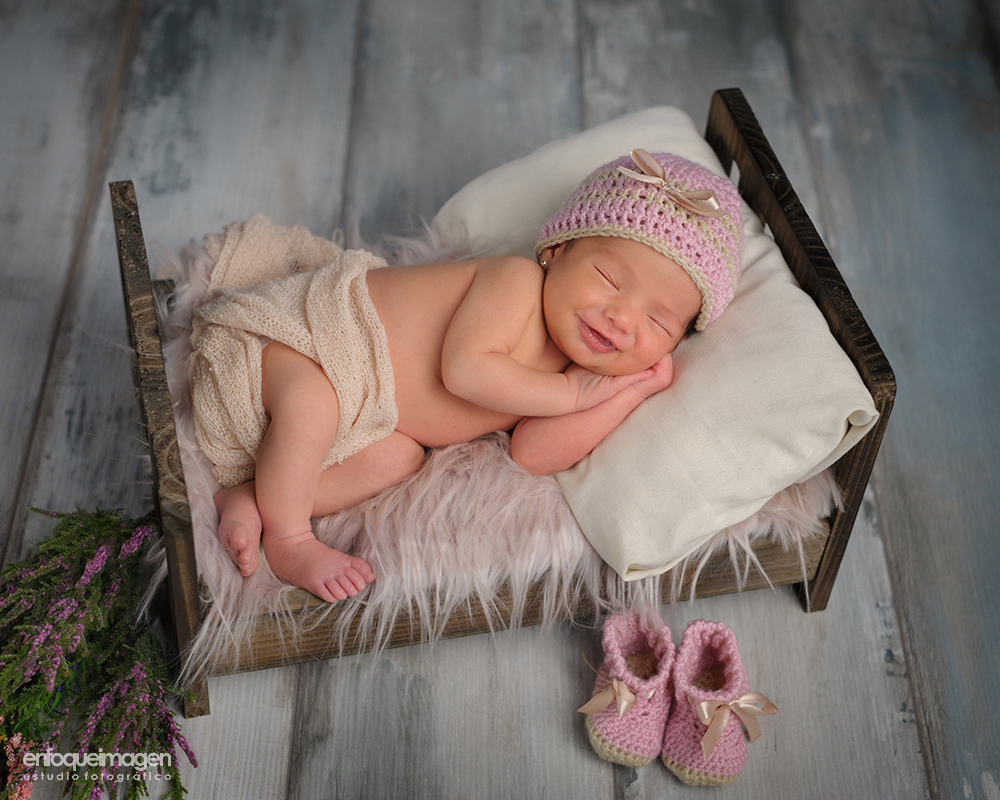 Fotografías recien nacido, reportaje bebé, fotografos málaga, fotografia artistica bebé, reportaje, newborn, fotos bonitas de bebés, fotos estudio recien nacido