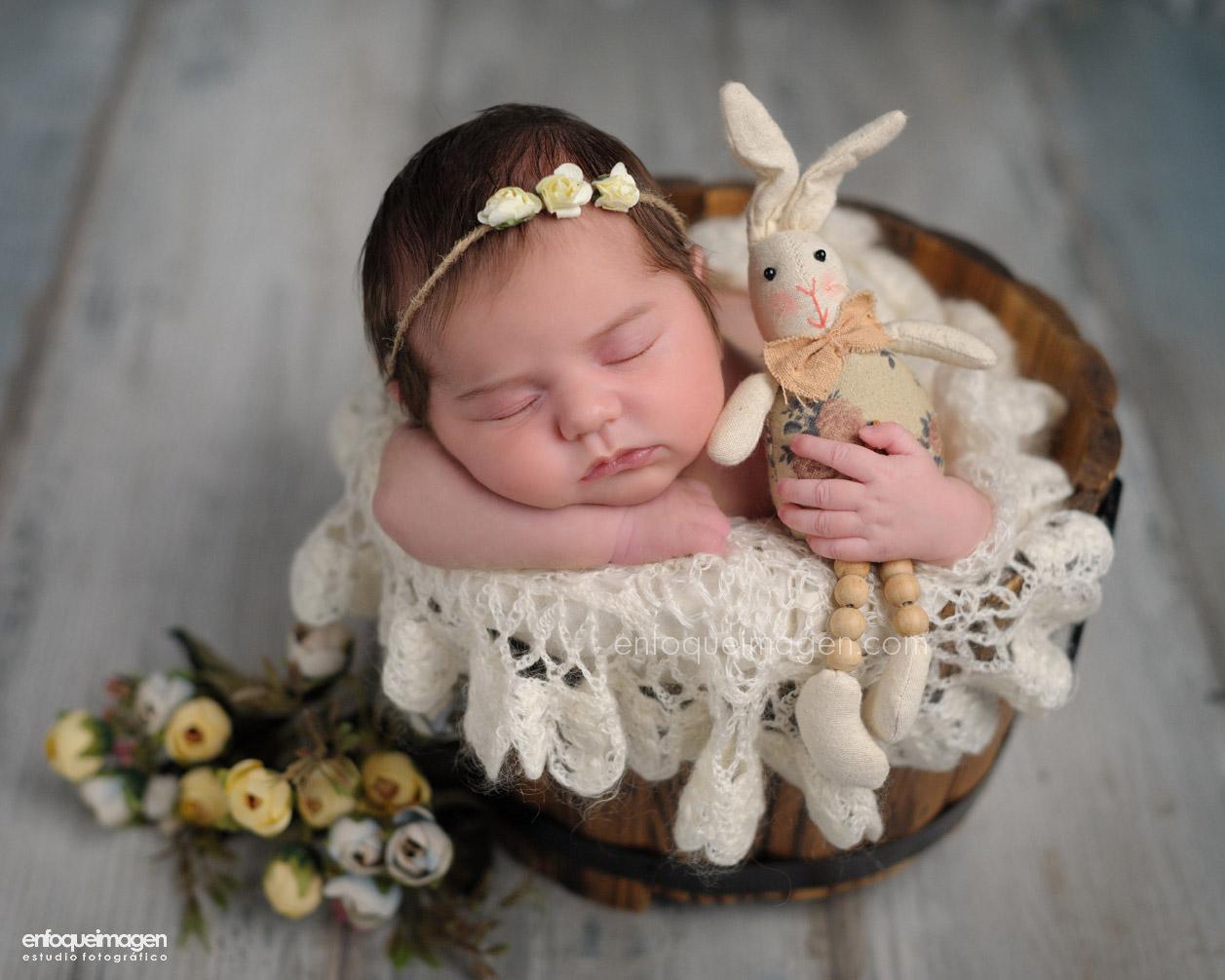 fotos bebé málaga, reportaje recién nacido, fotos bonitas de bebés, fotografías de bebés adorables, foto camita bebé, newborn, recien nacido, fotógrafa málaga, estudio fotográfico