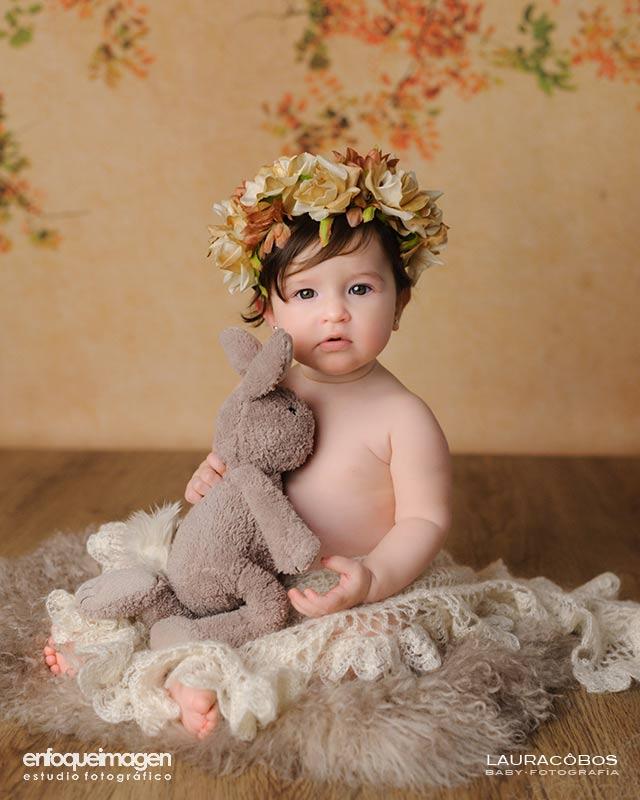 artistic baby photography, baby portrait, professional photography studio, Laura Cobos photographer, enfoqueimagen, Málaga, baby photos, photography session in studio