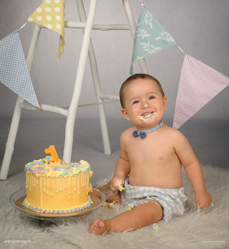 fotos bebé smash cake, fotografias tarta cumpleaños, reportaje primer año, fotos bebe tarta, reportaje tarta, fotógrafos málaga