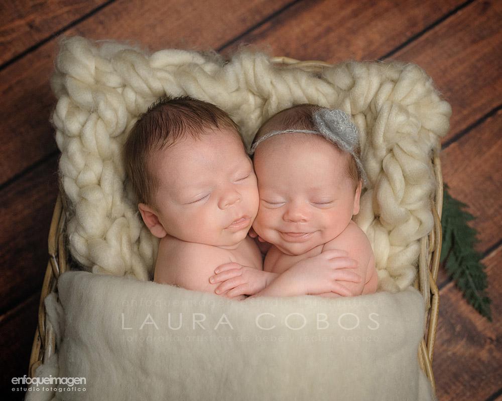 fotografías recien nacido malaga, sesion recien nacido, newborn photography, fotógrafos málaga, laura cobos, fotografías de bebé, album newborn, reportaje bebés, fotógrafía málaga, marbella