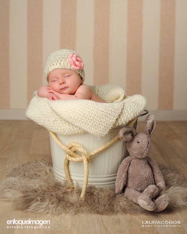 sesión fotográfica de bebé, fotografía de niños en estudio, fotógrafa infantil, fotografía artística, fotógrafos Málaga